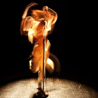Nous (ne) sommes (pas) tous des danseurs